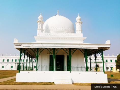 Madina mosque infront of Imambara